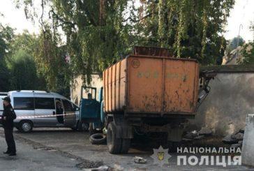 Трагедія у Бучачі: під колесами сміттєвоза загинув водій