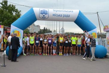 Найстаршому бігуну 84 роки, а наймолодшій – лише сім: у «Тернопільській озеряні-2018» взяли участь майже дві сотні людей (ФОТО)
