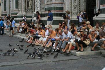 Штраф 500 євро: туристам заборонили їсти на вулицях Флоренції