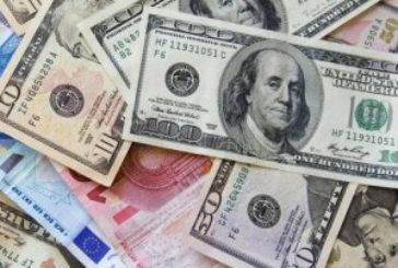 Долар приготувався побити старий рекорд