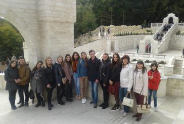 Тернопільські студенти побували у Зарваниці (ФОТО)