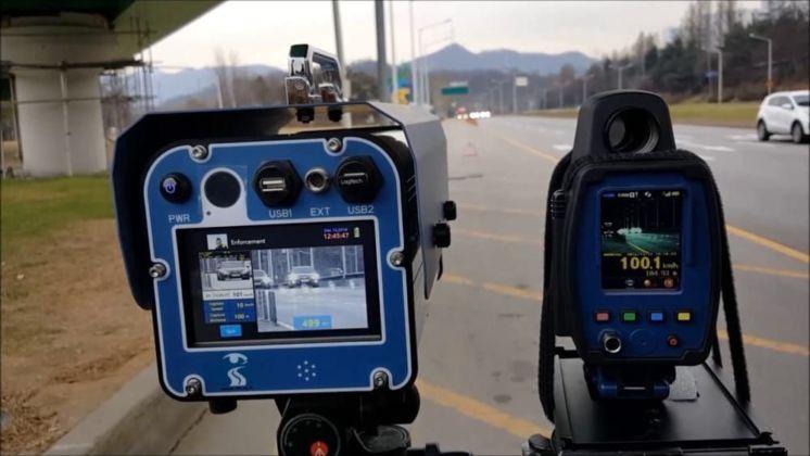 Радари повертаються на українські дороги: де будуть вимірювати швидкість