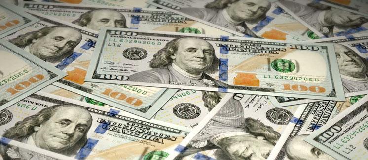 Скільки грошей переказали додому заробітчани?