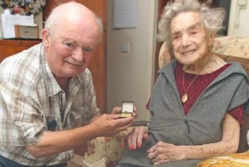 Британка уперше вийшла заміж у 100 років