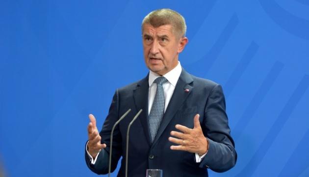 Прем'єр Чехії хоче вигнати з ЄС 618 тисяч мігрантів