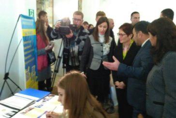 У Тернополі 300 випускників стали учасниками ярмарки вакансій (ФОТО)