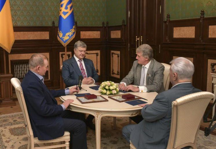 Кравчук, Кучма і Ющенко зробили заяву щодо воєнного стану