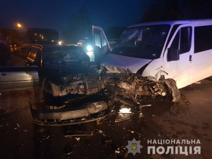 Поблизу Тернополя водії влаштували автотрощу (ФОТО)