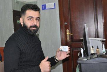Громадянин Іраку Авс Абдуламір Алван одним із перших у Тернополі отримав ID-посвідку (ФОТО)