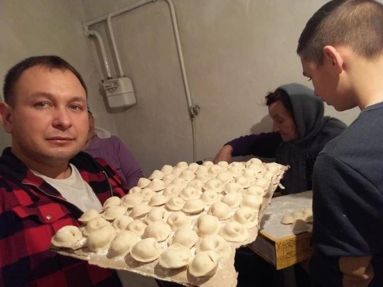 5 тисяч пельменів і 13 тисяч вареників: мешканці Тернопільщини приготували святкові смаколики для військових на Сході