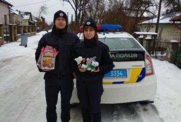 Тернопільські поліцейські влаштували різдвяну казку для дітей (фото)