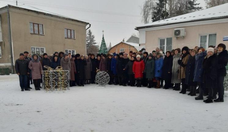 Шумська міськрада підтримала челендж «Україна колядує» (ФОТО)