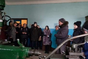 Чортківські школярі побували в гостях у залізничників (ФОТО)