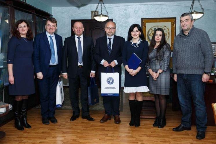 ТНЕУ співпрацюватиме з Єзуїтським університетом філософії і освіти Академією «Ignatianum» (ФОТО)