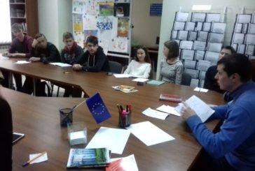 Тернопільські старшокласники навчились розпізнавати характер за почерком (ФОТО)