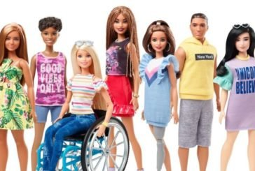 Ляльки Барбі тепер будуть на інвалідному візку і з протезом ноги