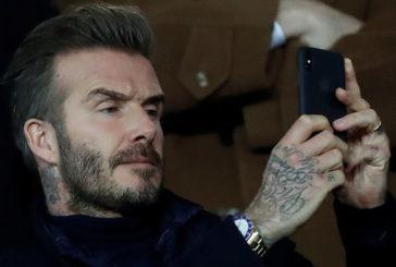 Легенду футболу Бекхема судитимуть за розмову по мобілці за кермом