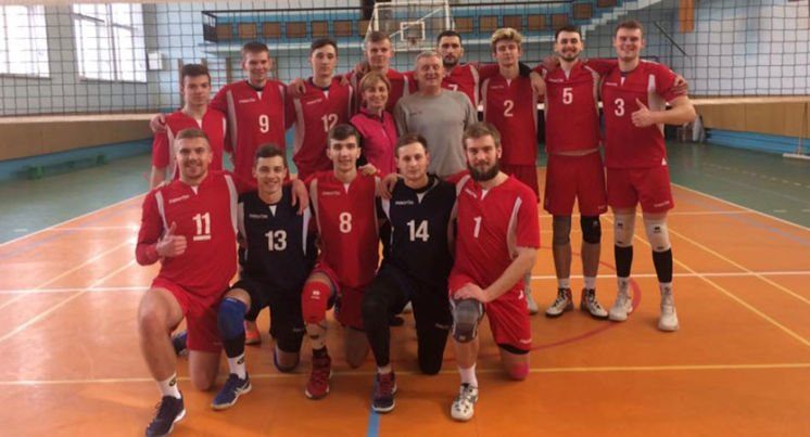 У змаганнях з волейболу лідирує команда ТНПУ