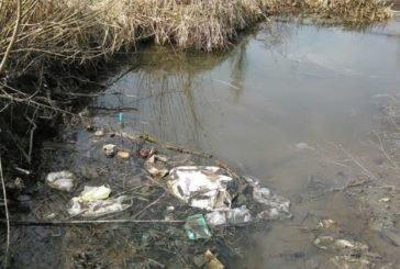 Жителів Тернопільщини закликають прибрати береги річок від сміття