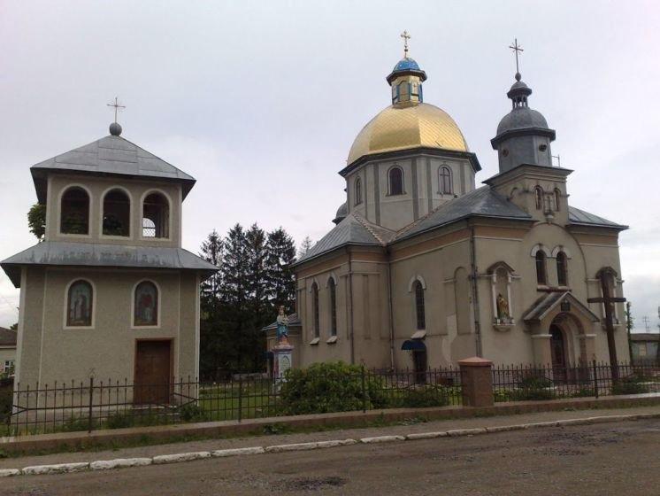 За що жителі села Джурин на Чортківщині вдячні своїм листоношам?