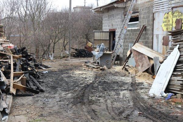 Поблизу Тернополя горів деревообробний цех (ФОТО)