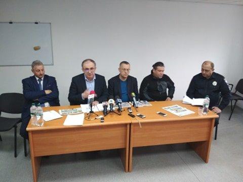 На Тернопільщині розповсюджували газети з антиагітацією на Анатолія Гриценка