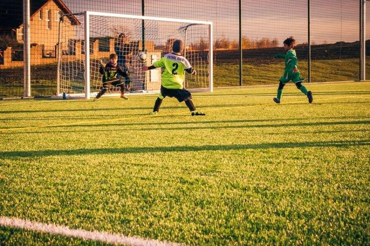 Як на Західній Україні будують сучасні спортивні поля