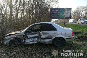 ДТП поблизу Тернополя: водій Мазди з переломами потрапив до лікарні (ФОТО)