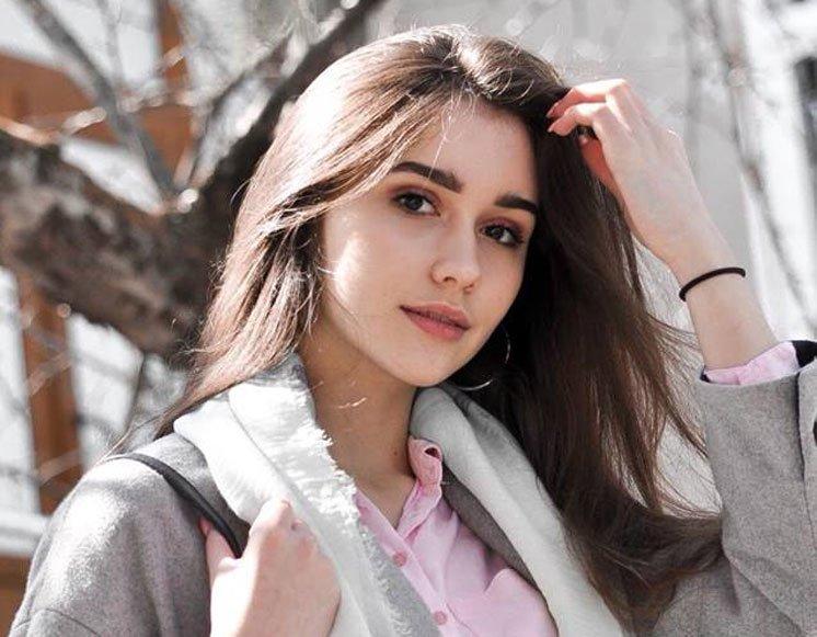 Школярка із Чорткова перемогла у Всеукраїнській олімпіаді з англійської мови і стала кращою серед 111 учасників