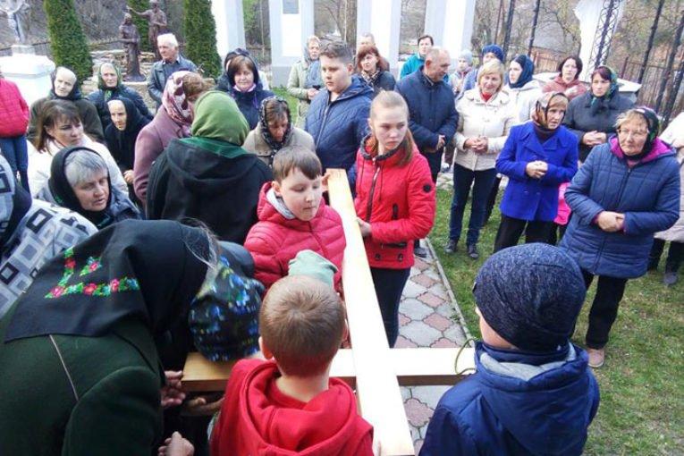 Очищення душі й сумління: у селі на Тернопільщині відбулася Хресна хода (ФОТО)