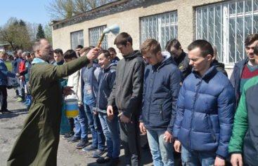 На Тернопільщині провели хлопців на службу до війська (ФОТО)