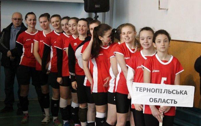 """Волейболістки """"Інваспорту"""" здобули срібні медалі чемпіонату України"""
