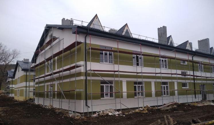 У Теребовлі завершується будівництво казарм покращеного планування для 375 контрактників-артилеристів