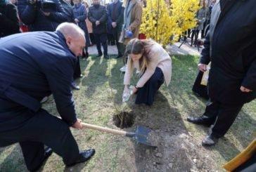 На території Тернопільського педуніверситету з'явився унікальний Біблійний сад (ФОТО)
