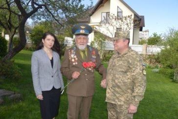 У Тернопільському гарнізоні учасники ООС завітали до ветеранів Другої світової війни (ФОТО)
