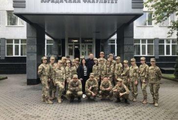 Курсанти Тернопільського професійного коледжу з військовою та фізичною підготовкою ознайомилися з діяльністю юрфаку ТНЕУ (ФОТО)