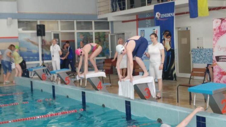 Плавці тернопільського «Інваспорту» привезли з Ужгорода десять медалей (ФОТО)