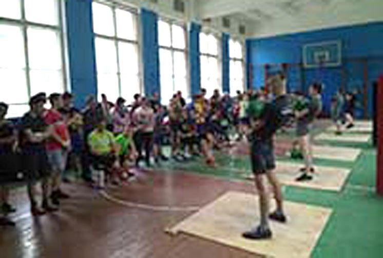 На чемпіонаті Тернопільщини з гирьового спорту серед юнаків та школярів перемогла команда Збаразького району