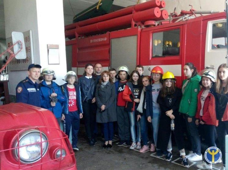 Лановецькі школярі «приміряли» професію пожежника (ФОТО)