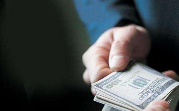 На Тернопільщині засудили водія за пропозицію $500 хабара поліцейським