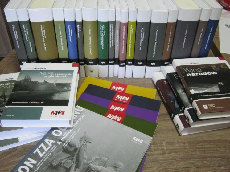 До наукової бібліотеки Кременецького краєзнавчого музею надійшли видання польського Музею Другої світової війни