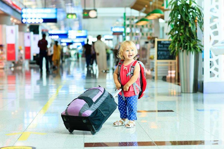 Як поїхати з дитиною за кордон тому з батьків, хто проживає окремо