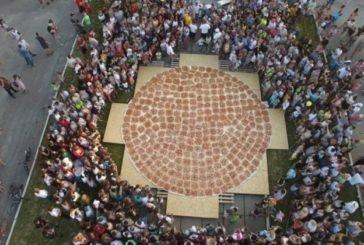 У Чорткові спекли найбільшу піцу в Україні (фото)