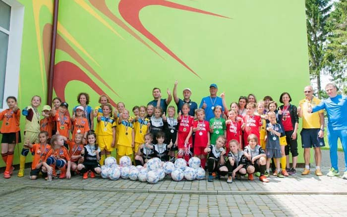 У Товстолузі на Тернопільщині відбувся фестиваль дівочого футболу