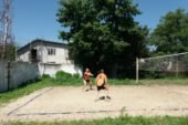 У Великих Гаях поблизу Тернополя грали у пляжний волейбол