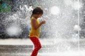 Сьогодні буде спекотно, але може покропити дощем