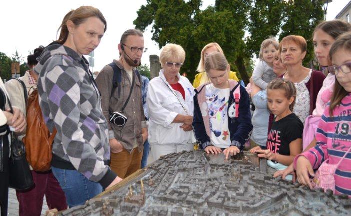 Мандрівка невідомим Тернополем: таємниці історії рідного міста можна дізнатися під час екскурсій