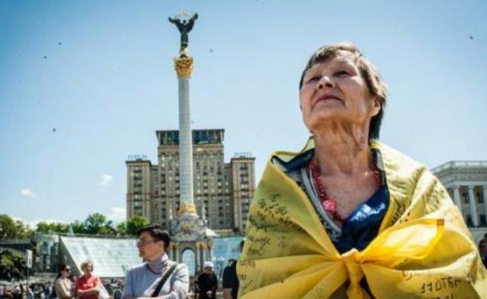 Скільки людей вважають себе громадянами та патріотами України (ІНФОГРАФІКА)