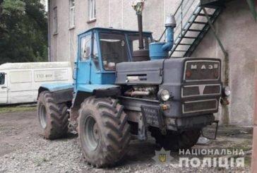 Намагався на ходу застрибнути у кабіну: на Теребовлянщині під колесами трактора загинув чоловік