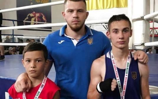 Тернопільські боксери здобули три медалі на Закарпатському турнірі